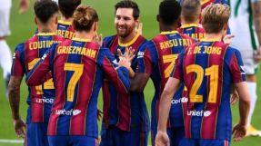 برشلونة على عتبة الإفلاس ويسعى لتخفيض رواتب لاعبيه