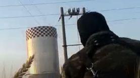 حماه- لحظة قنص أحد عناصر الجيش الحر اثناء اقتحام محطة زيزون