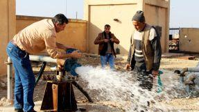 محلي الباب يحدد سعر بيع المياه في المدينة