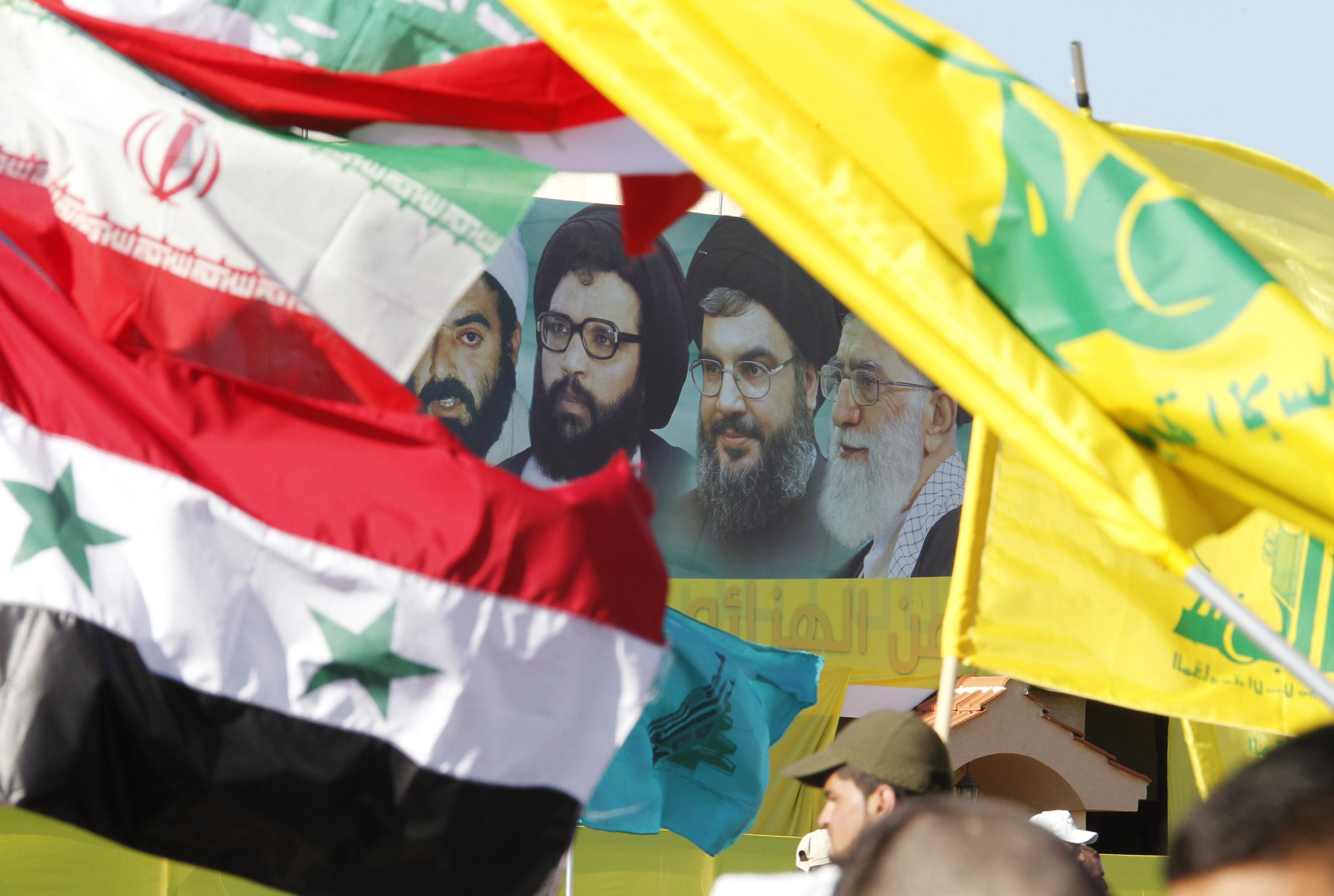 """""""إندبندنت عربية"""": أمريكا  تضغط باتجاه إخراج إيران و حزب الله  بشكل كامل من سوريا"""