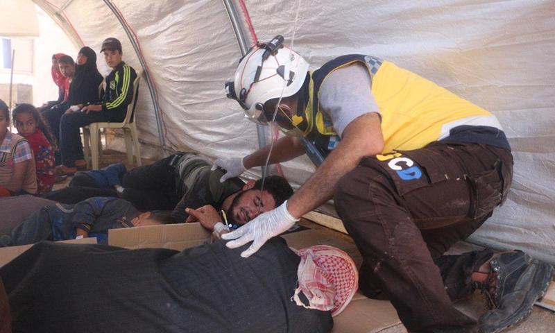 تسمم العشرات في مخيم للنازحين بريف إدلب الشمالي