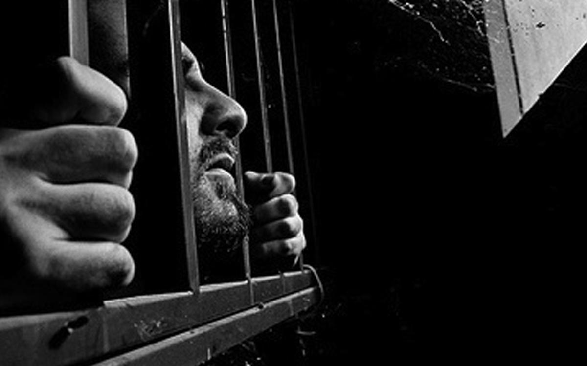 أجلسوه على بوري التخت المعدني .. من قصص تعذيب نظام الأسد