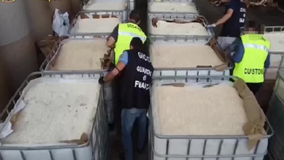 """""""داعش"""" يرد على اتهامه بتهريب شحنة المخدرات في إيطاليا"""