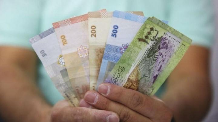 تعرف على  أسعار العملات والذهب  في سوريا  اليوم الاثنين