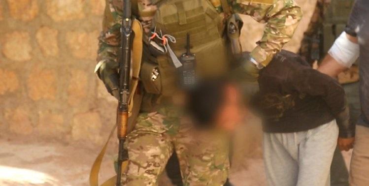 """""""تحرير الشام"""" تقتل قيادياً في داعش وتأسر عنصرين من التنظيم في بلدة سرمين (صور)"""