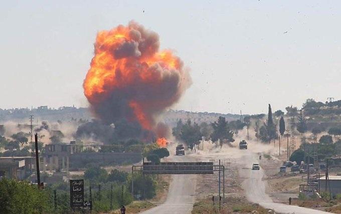 مقتل طفل وإصابة 5 مدنيين جراء غارت روسية على ريف إدلب (صور)