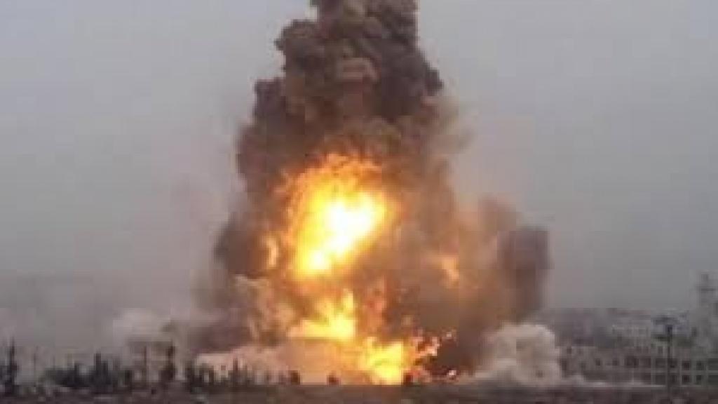 انفجارات ضخمة في  مستودعات الحماية الكردية  في الحسكة