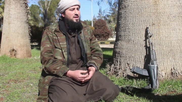 """""""أبو العبد أشداء"""" يتهم """"تحرير الشام"""" بممارسة """"السطو المسلح"""""""