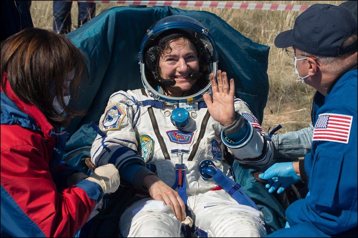 """رواد فضاء عادوا إلى الأرض ليجدوا عَالما غير الذي تركوه بسبب """"كورونا"""""""