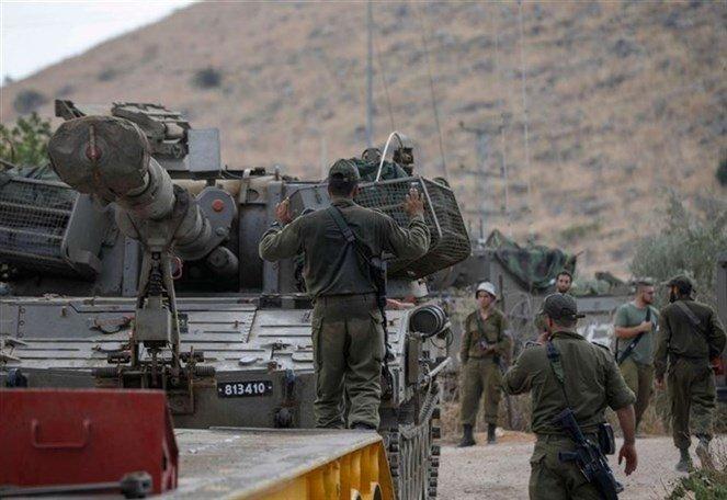 بعد إغلاق مجالها الجوي ...إسرائيل ترسل تعزيزات  عسكرية لحدود سوريا ولبنان