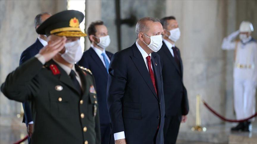 أردوغان يشيد بنجاحات الجيش التركي في سوريا وليبيا