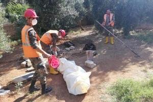 حمص: العثور على امرأة قتلها شقيقها منذ ٢٠ يوما وألقاها في الصرف الصحي