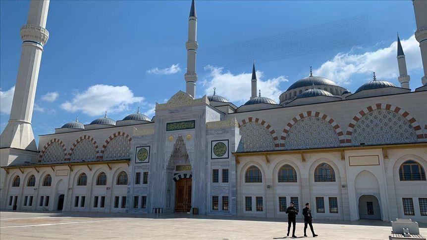 7 دول عربية ستمنع صلاة العيد بالمساجد والساحات بسبب كورونا