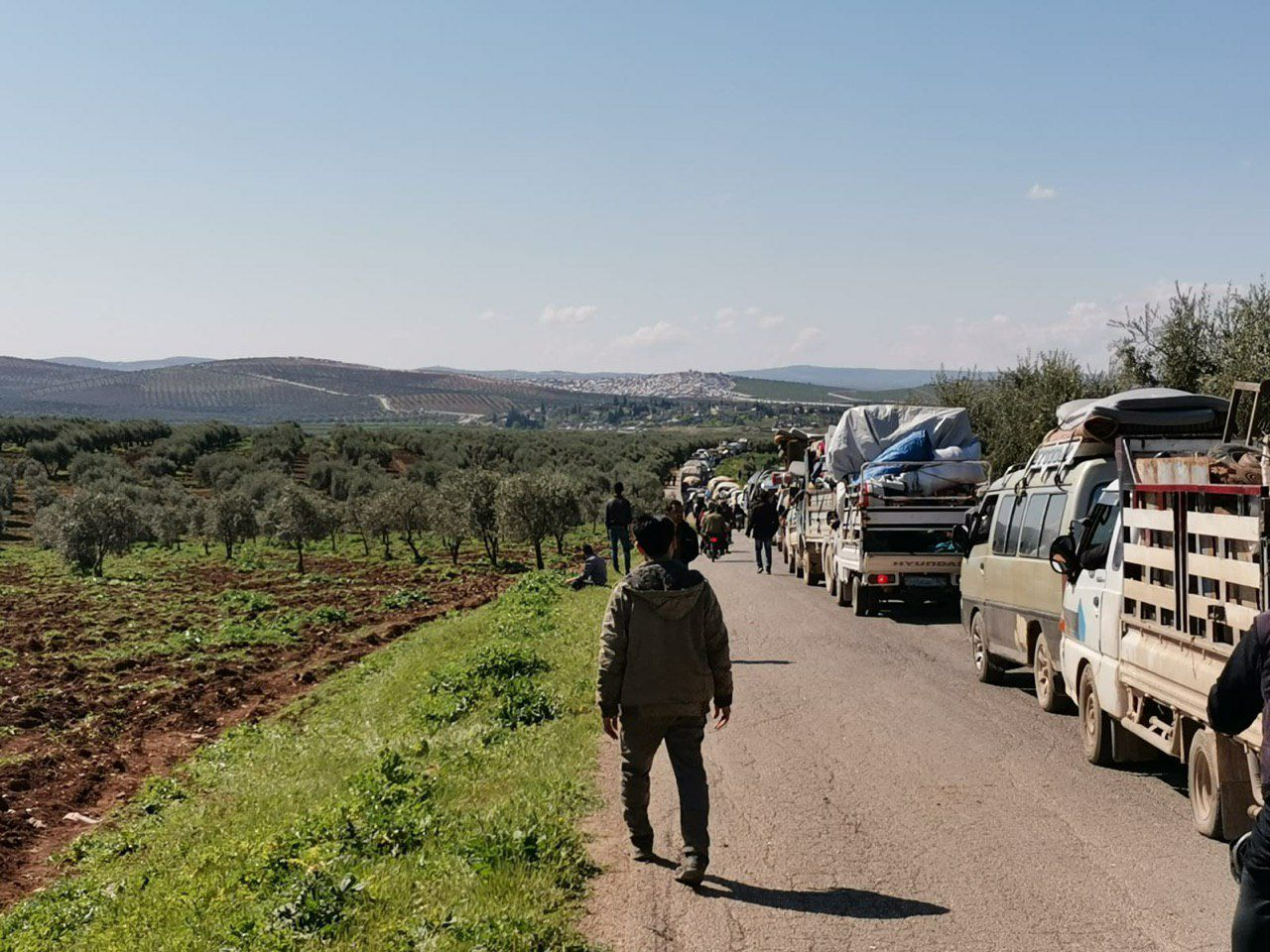 بعد إغلاق لعدة أيام .. إعادة فتح المعابر بين ريف حلب وإدلب بدءا من اليوم