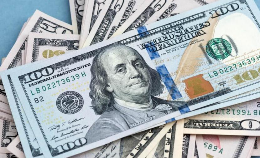 الليرة السورية تعاود الهبوط أمام الدولار الأمريكي