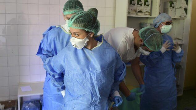بعد انتهاك حرمة متوفٍ بفيروس كورونا.. مستشفى الأسد الجامعي يرد (فيديو)
