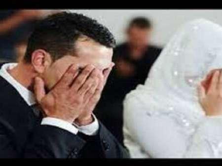 عريس ينهار فجأة وينفجر بالبكاء أمام عروسه في ليلة الدخلة