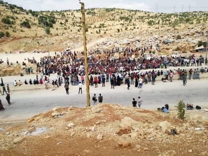 استياء لمنع النظام دخول سوريين قادمين من لبنان