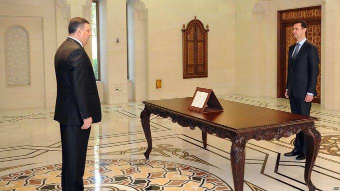 """الأسد ليس رجل المرحلة القادمة.. الحوار الكامل لـ """"رياض حجاب"""" مع """"مركز السياسات الدولية"""" (فيديو)"""