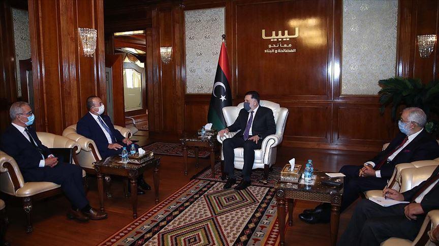 وزير الخارجية التركي يلتقي السراج في طرابلس