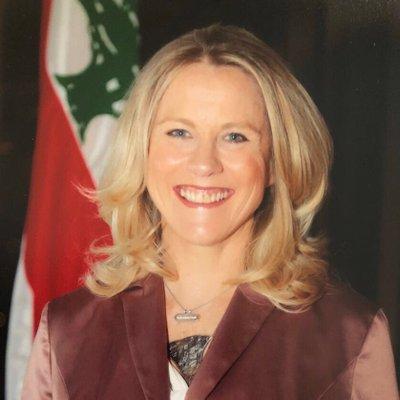 السفيرة اللبنانية في الأردن تقدم استقالتها على الهواء