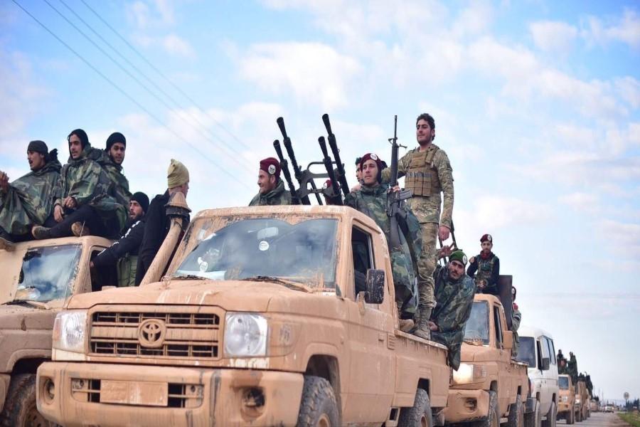 """مصدر عسكري في """"الفتح المبين"""" يؤكد مقتل ضابط روسي وجرح 4 آخرين على محور الحدادة"""
