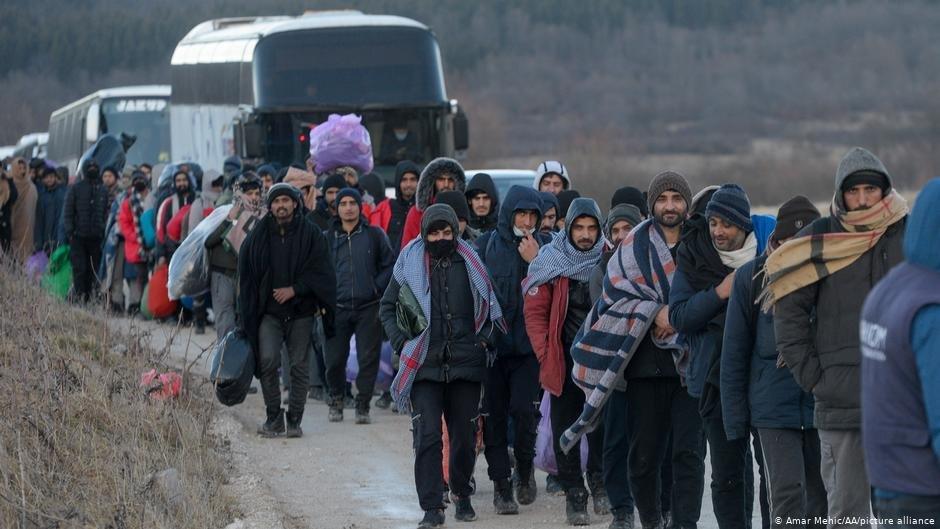 يقيمون في عدة جزر...اليونان تسعى لإعادة 1450 لاجئ إلى تركيا