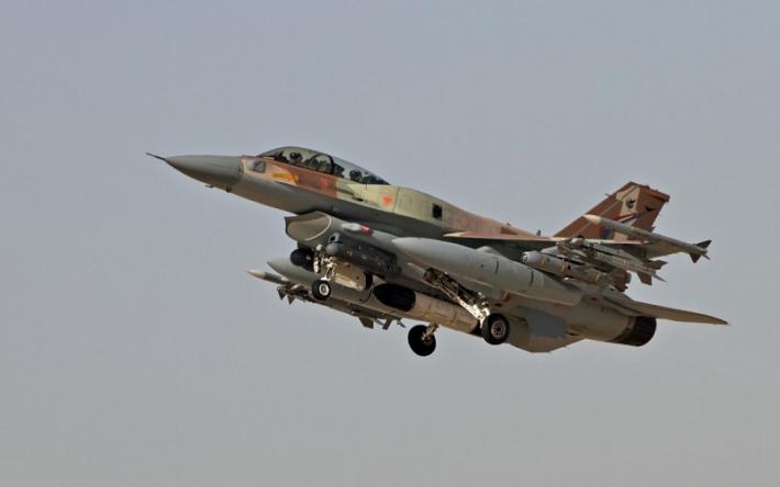 صحيفة إسرائيلية ترجح تكثيف الغارات الجوية على سوريا قبل انتهاء ولاية ترامب