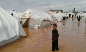 الأمطار الغزيرة تغرق مخيمات النازحين في ريف إدلب