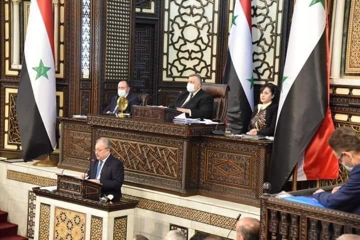 رئيس حكومة النظام يعرض الأسباب الحقيقية لأزمة المحروقات