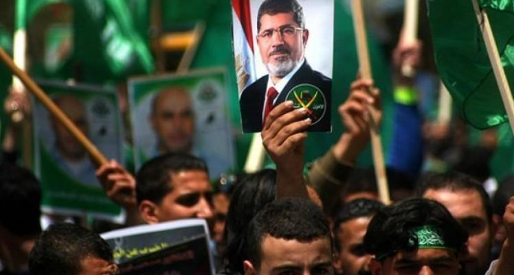 مصر تصادر أموال 89 شخصا من قادة الأخوان المسلمين