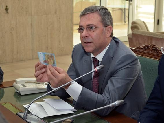 الحاكم السابق للمصرف المركزي   أديب ميالة يقر  بتدهور اقتصاد النظام   بسبب قيصر