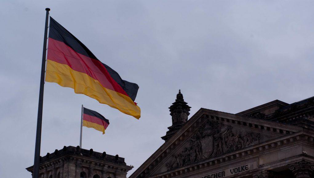 ألمانيا تحاكم لاجئين سوريين بتهمة  تعذيب وقتل ضابط في قوات النظام