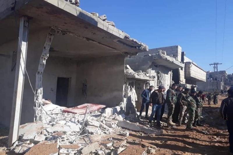 صاروخ  للنظام يتسبب بمقتل عائلة كاملة في حماة