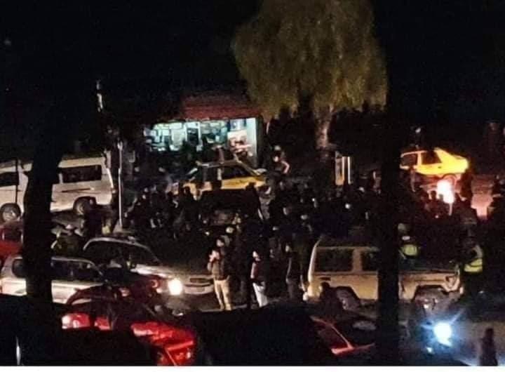 قيادة رعناء لسيدة مدعومة  تتسبب بدهس عناصر شرطة ومدنيين في العاصمة دمشق