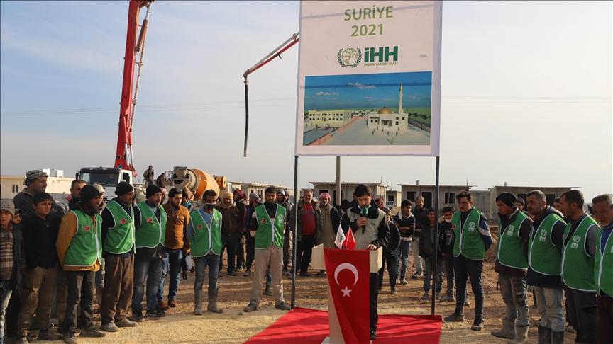 الإغاثة التركية تسلم 154 منزلاً لأسر سورية نازحة في أعزاز