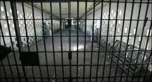 معتقل سابق  يفضح أساليب النظام  المرعبة  في تعذيب الضباط المعتقلين في سجن صيدنايا