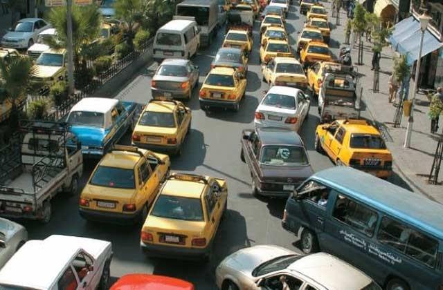 النظام يخيب آمال أصحاب السيارات بعدم رفع كمية تعبئة البنزين إلى 40 لتراً