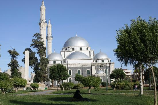 اوقاف النظام تعزل خطباء وأئمة مساجد في حمص