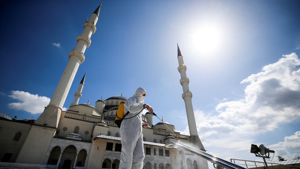 تركيا تسجل حصيلة قياسية بوفيات كورونا