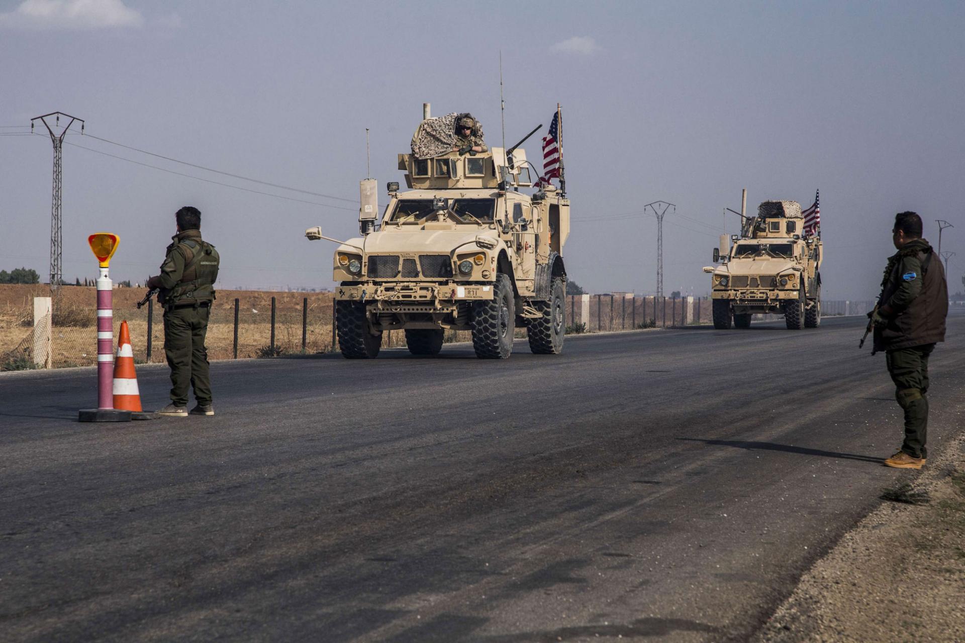 القوات الأمريكية تدخل تعزيزات عسكرية جديدة إلى الشدادي  بريف الحسكة
