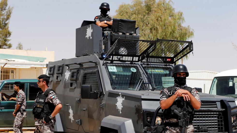 إصابة ضابط أردني  ومقتل متسلل في إحباط محاولة تهريب من سوريا