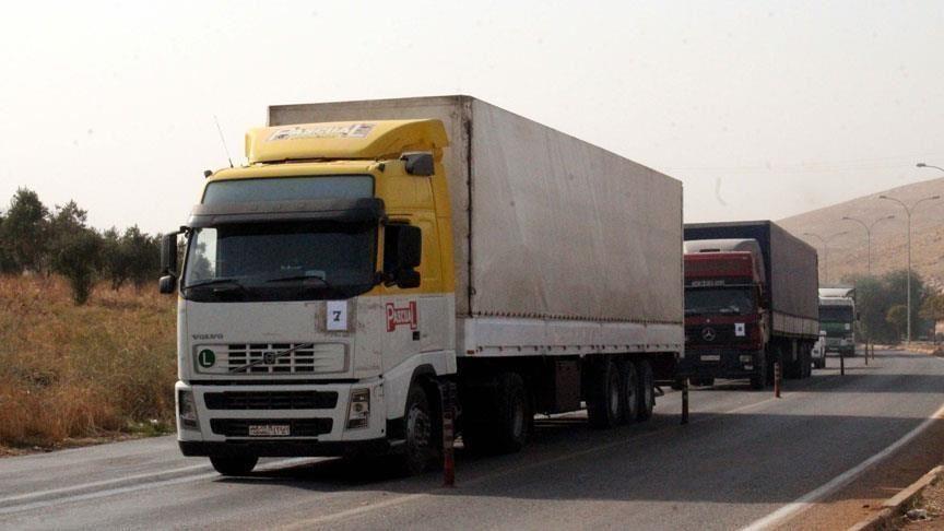 منظمة أطباء العالم ترسل 7 شاحنات محملة بمساعدات إلى الشمال السوري