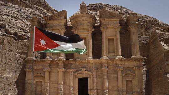 الأردن ينفي صحة مزاعم تلقي المملكة مساعدات طبية من إسرائيل