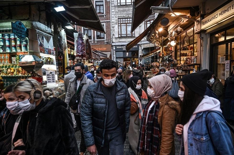 انخفاض طفيف بإصابات ووفيات كورونا في تركيا