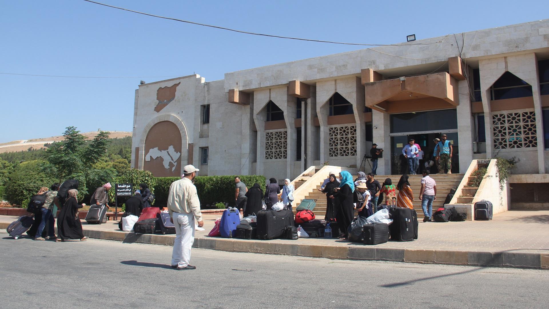 معبر باب الهوى  يبدأ اليوم باستقبال العائدين إلى تركيا وفق التعليمات المحددة