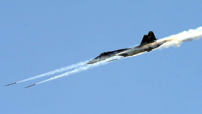 Russian air strikes target the countryside of Idlib and Latakia