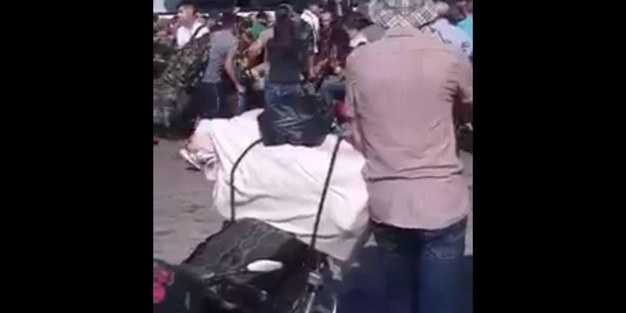 معاون سائق باص نقل يطلق النار لتفريق الركاب بريف حماة