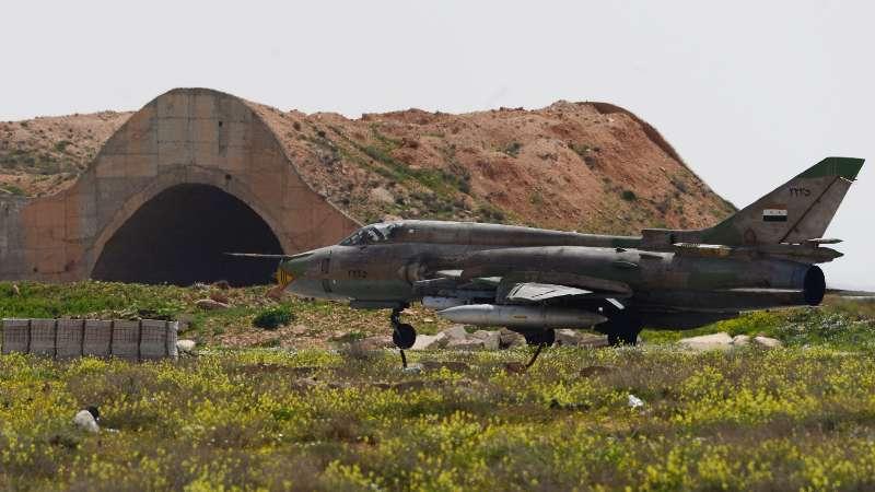 روسيا تُخلي مطار تدمر من الطائرات وتنقلها إلى قاعدة حميميم