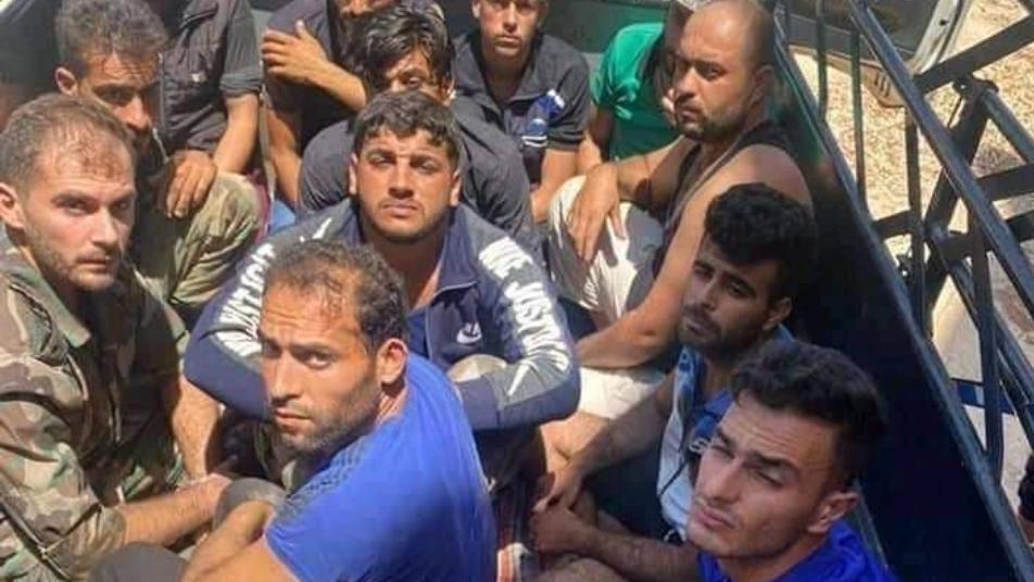 By pictures, Daraa rebels capture members of the regime's forces during Dignity battle